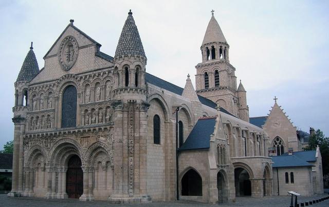Nuestra Señora de Poitiers.jpg