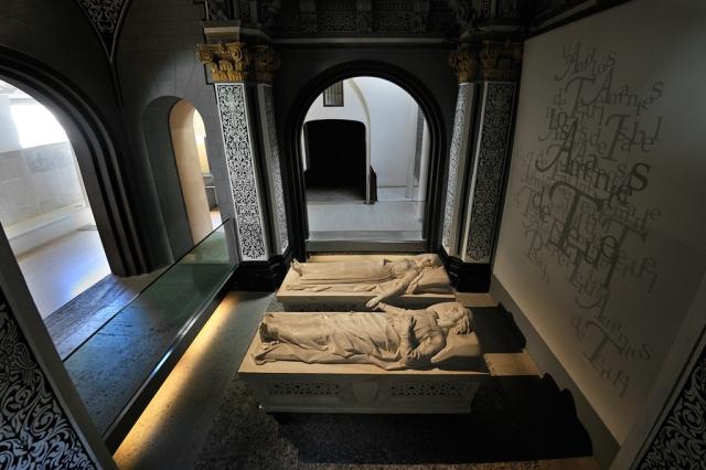 Vista_Mausoleo_Amantes_de_Teruel.jpg